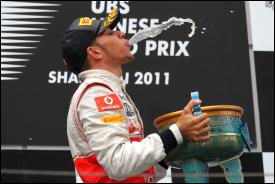 Formula Uno, GP Cina: L'invincibile stecca, Hamilton frizzante, Ferrari impantanata