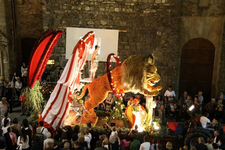 Maggiolata Lucignanese: vince Porta San Giusto