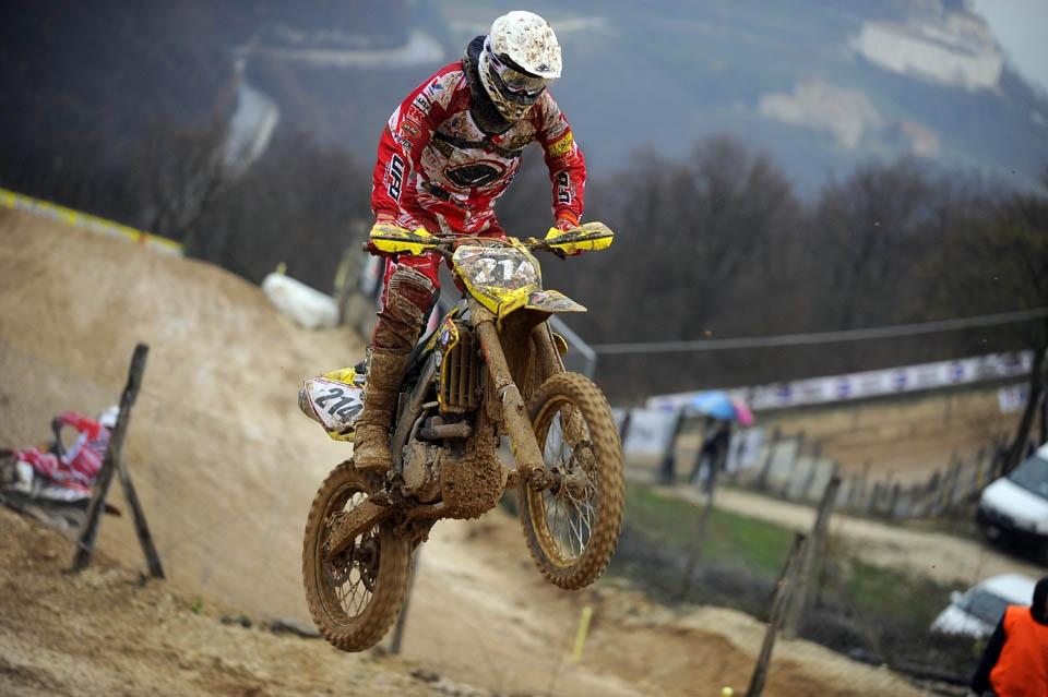 Motocross: risultati del Team Suzuki Valenti a San Severino Marche
