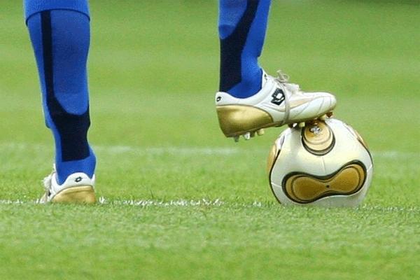 Calcio: giornata di verdetti. Si salveranno gli