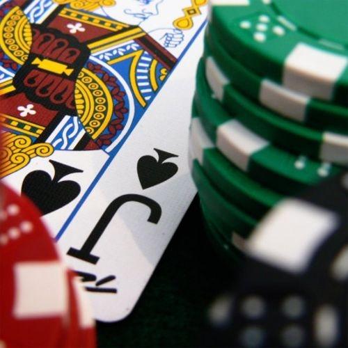 Poker on line, slot machines, gioco d'azzardo: un'indagine nelle scuole