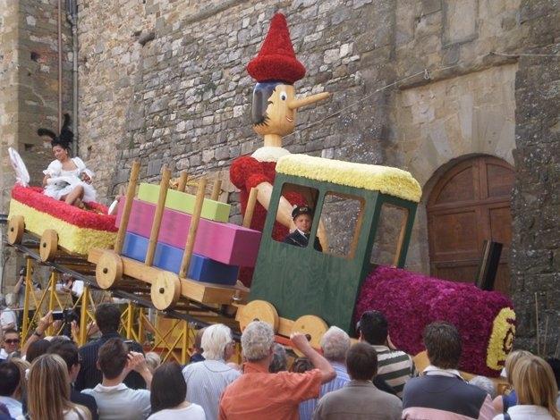 Lucignano: la Maggiolata Lucignanese 2011 dal 21 al 29 Maggio