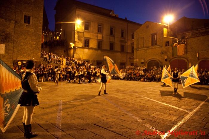 Gara musici e sbandieratori a Castiglion Fiorentino: le foto e i vincitori