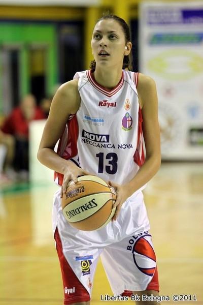 Basket: intervista a Alessandra Visconti, la nuova ala-pivot di Umbertide