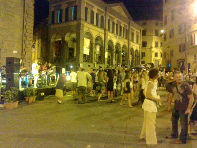 Cortona e Movida notturna, almeno il giovedì sera siamo al top