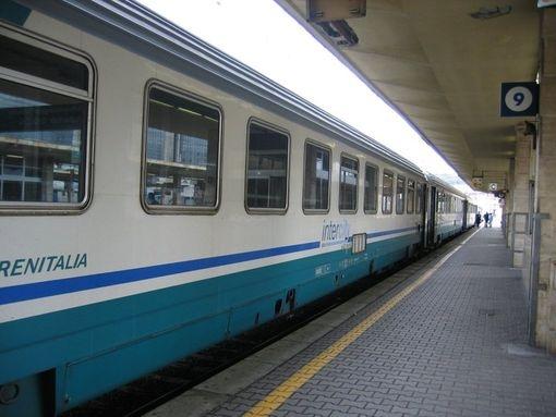 Dopo l'incendio a Tiburtina ancora treni in ritardo nel tratto Chiusi - Arezzo
