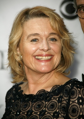 Tuscan Sun: sfuma l'ipotesi Sharon Stone, sarà sostituita da Sinead Cusack