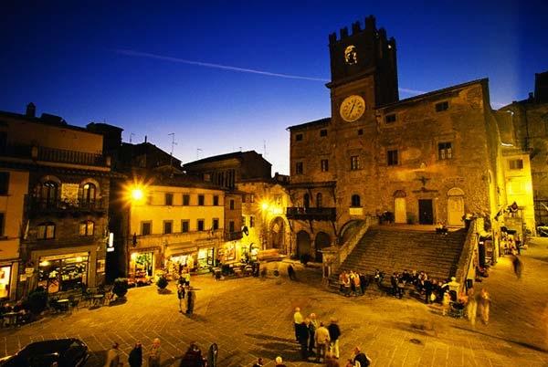 Cortona: l'Antiquaria sarà inaugurata dall'Assessore Regionale Ceccobao