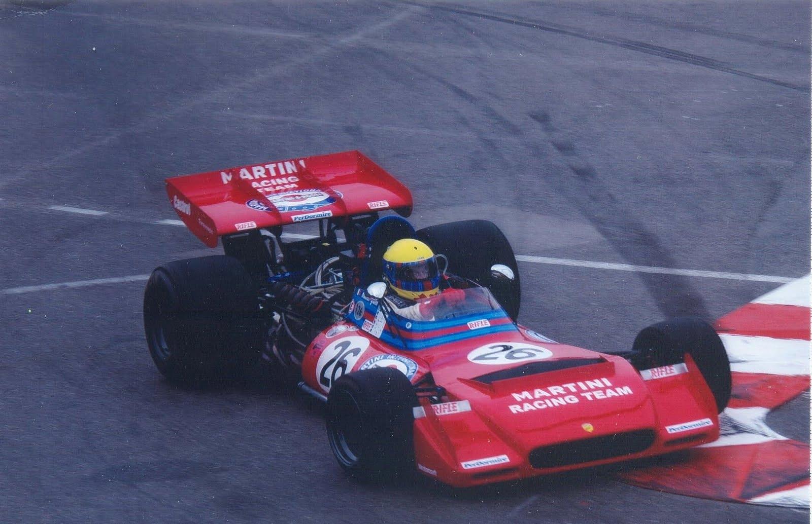 Anche una Formula Uno al via della Salita al Passo della Foce