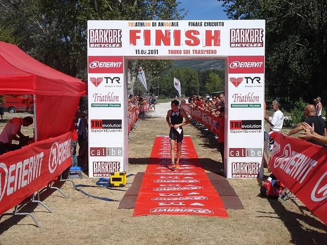 Triathlon Annibale Tuoro: vincono Bargellini e Signorini. Le Foto