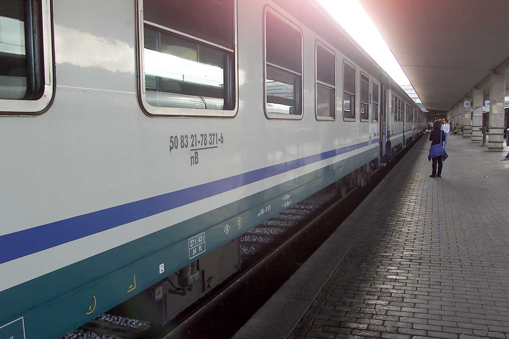 Incidente mortale sulla Arezzo-Chiusi: disagi sulla linea ferroviaria