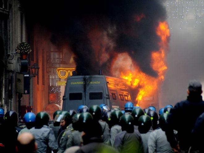 2001-2011, Indignati, No Global: la storia è sempre quella?