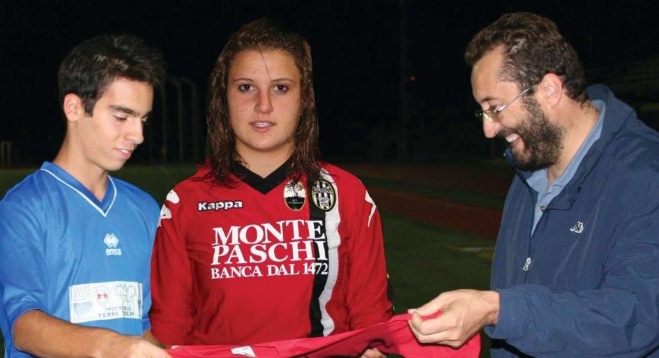 Festa del Calcio a Montepulciano con match in onore di Ilaria Presentini