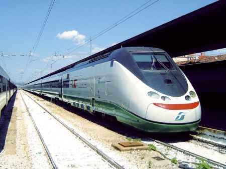 Saltano le fermate in Valdichiana dell'ultimo Eurostar della giornata? Interrogazione dei parlamentari PD