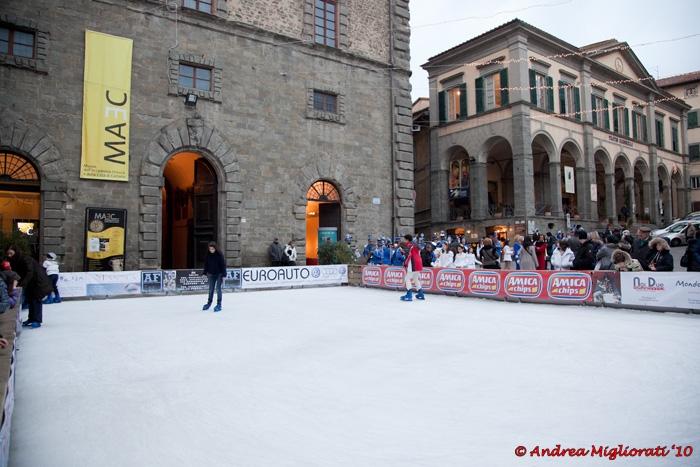 Quest'anno a Cortona non si pattina, la pista torna nel 2012