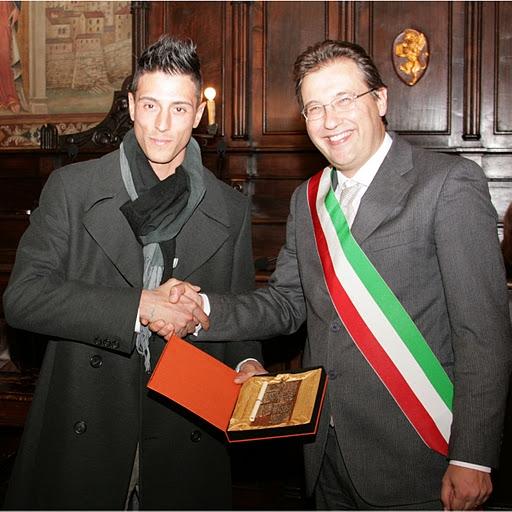 Eros Capecchi premiato in Comune a Cortona: