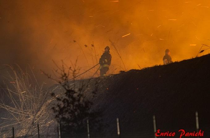 Incendio all'ex zuccherificio Sadam