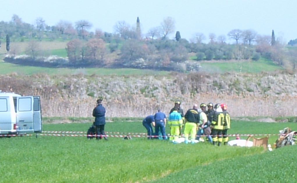 Elicottero precipitato a Bettolle: domani l'autopsia