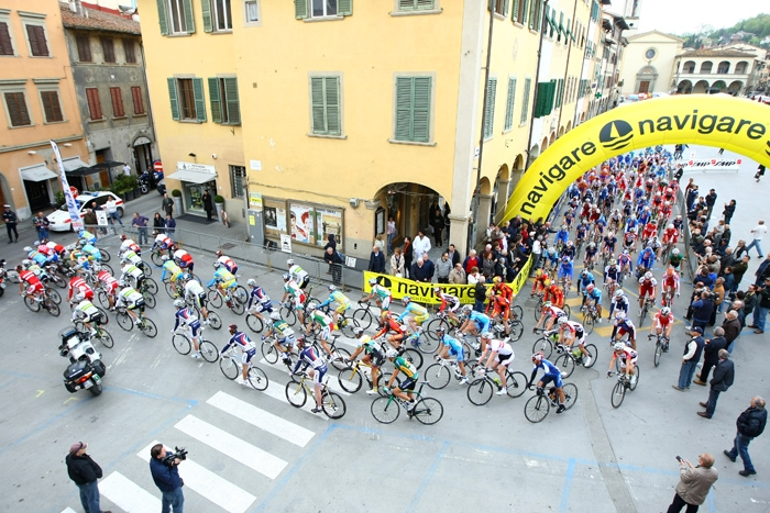 Toscana Terra di Ciclismo, acuto di Reguigui allo sprint