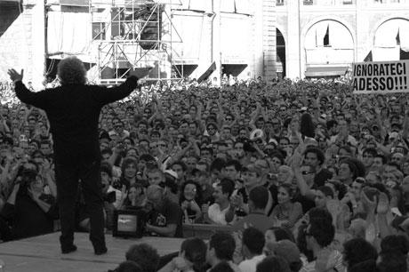 25 Aprile, Grillo, l'astensionismo