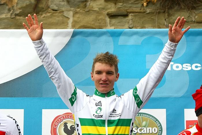 Toscana Terra di Ciclismo, McCarthy vince sotto la pioggia a Cortona
