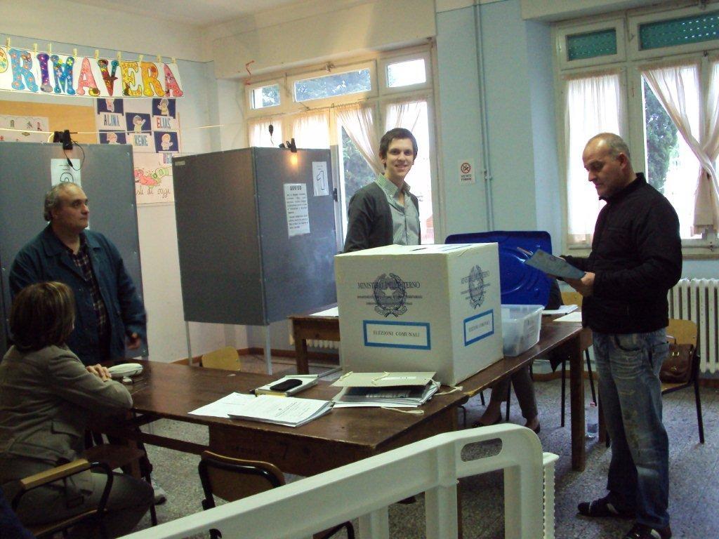 Elezioni, ore 19, confermato il calo di affluenza