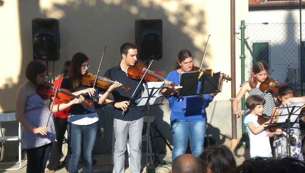 Sinalunga: l'Accademia d'Arte trasforma il saggio in raccolta fondi per l'Emilia