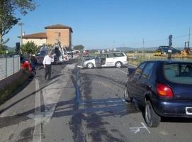 Montepulciano: scontro frontale a Valiano, feriti i due automobilisti