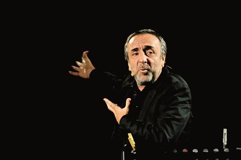 Cortona, Silvio Orlando legge Dante
