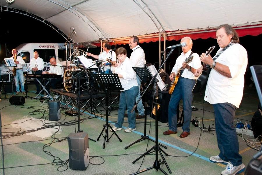 Cortona: una coinvolgente band di medici al ventennale del Calcit