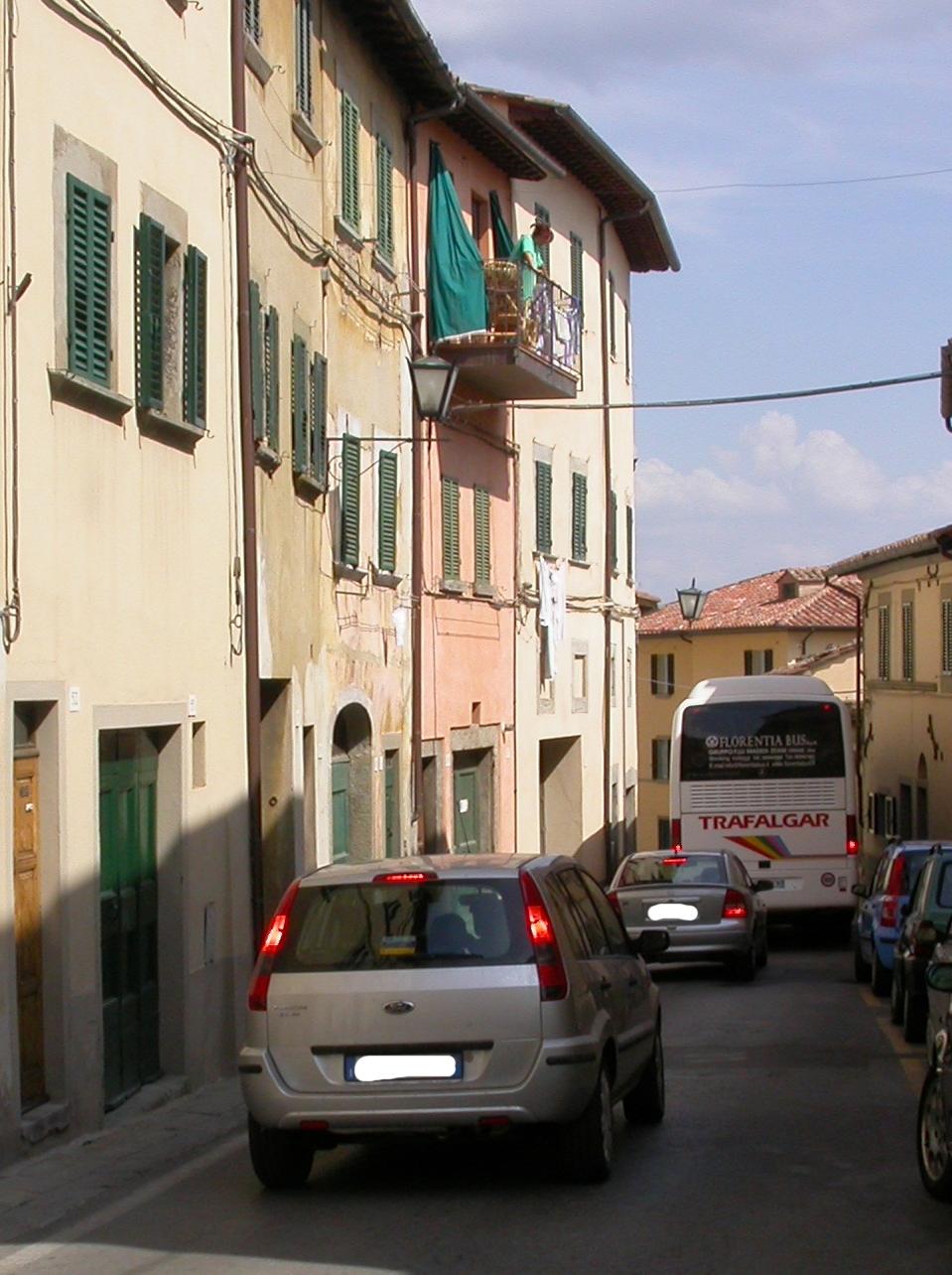 Cortona, i residenti di Via Severini: