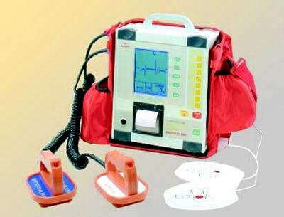 Un defibrillatore per la Piscina di Camucia
