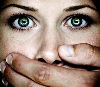 Violenza sulle donne, anche quella della politica