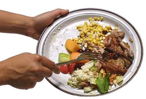 Sprechi di cibo: un decalogo per i nostri Governi, ma anche per noi stessi