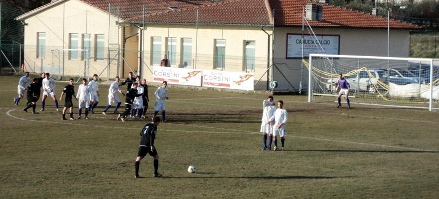 Calcio: il Camucia batte Cozzano