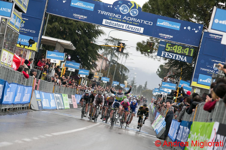 Ciclismo, Goss vince sotto il diluvio di Indicatore