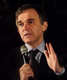 Il Presidente della Toscana Rossi rinuncia al suo stipendio