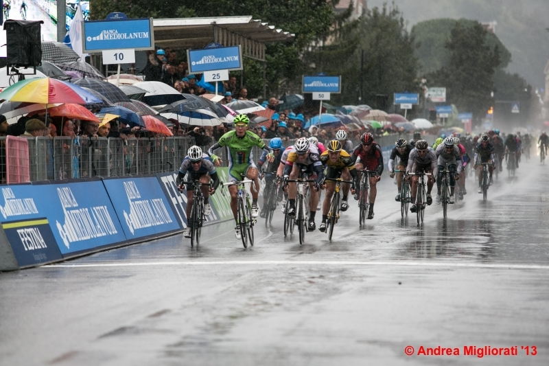 Tirreno Adriatico: nonostante la pioggia spettacolo in Valdichiana