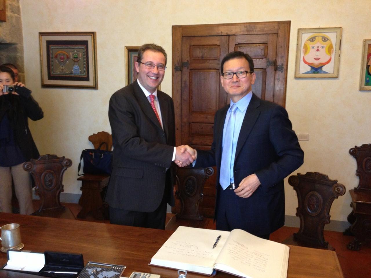 In visita a Cortona l'ambasciatore della Corea del Sud