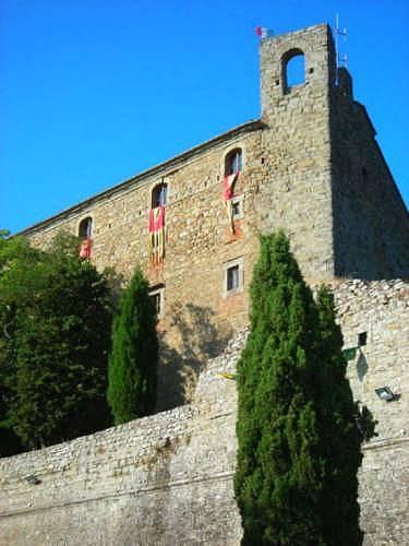 Cortona, la Fortezza, Jovanotti: risposte utili e litigate superflue