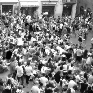 Una folla operaia immensa