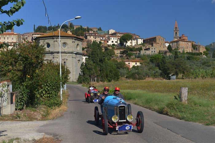 Gran Premio Nuvolari, le foto del passaggio in Valdichiana