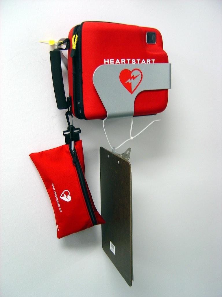 Progetto Salvavita: grazie a Banca Popolare di Cortona defibrillatori in tutte le palestre