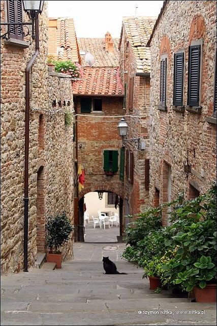 Dati provinciali sui flussi turistici: a Lucignano nel 2012 quasi il 10% di stranieri in più rispetto all'anno precedente