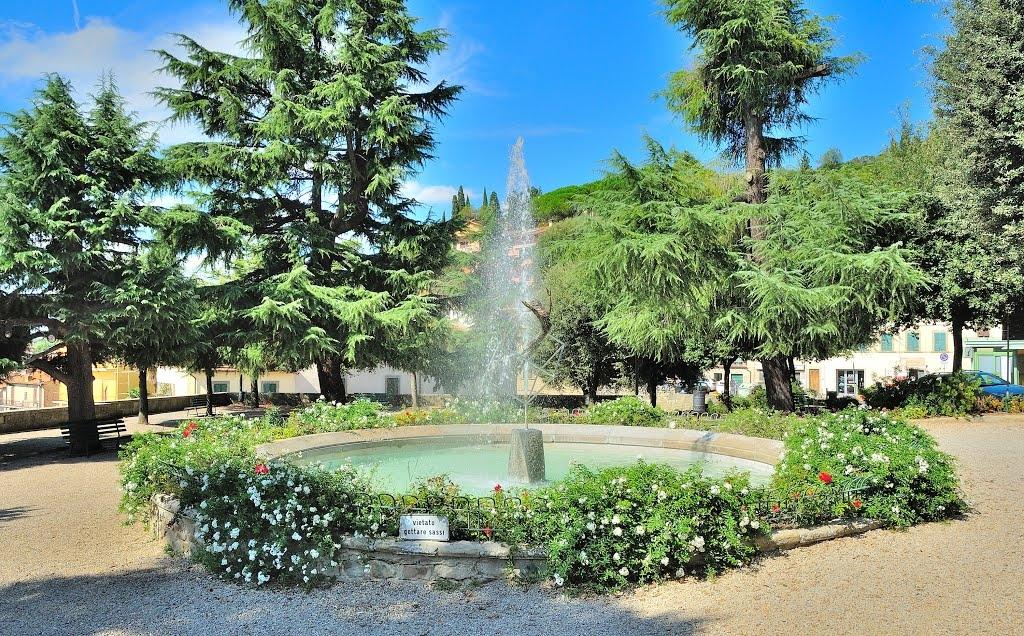 Castiglion Fiorentino: il Terziere di Porta Fiorentina collabora alla sistemazione dei Giardini di Piazza Matteotti
