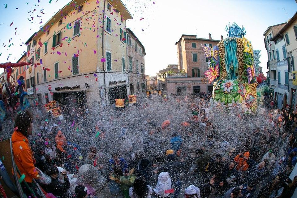 L'Italia in cartapesta: conto alla rovescia per il Carnevale di Foiano