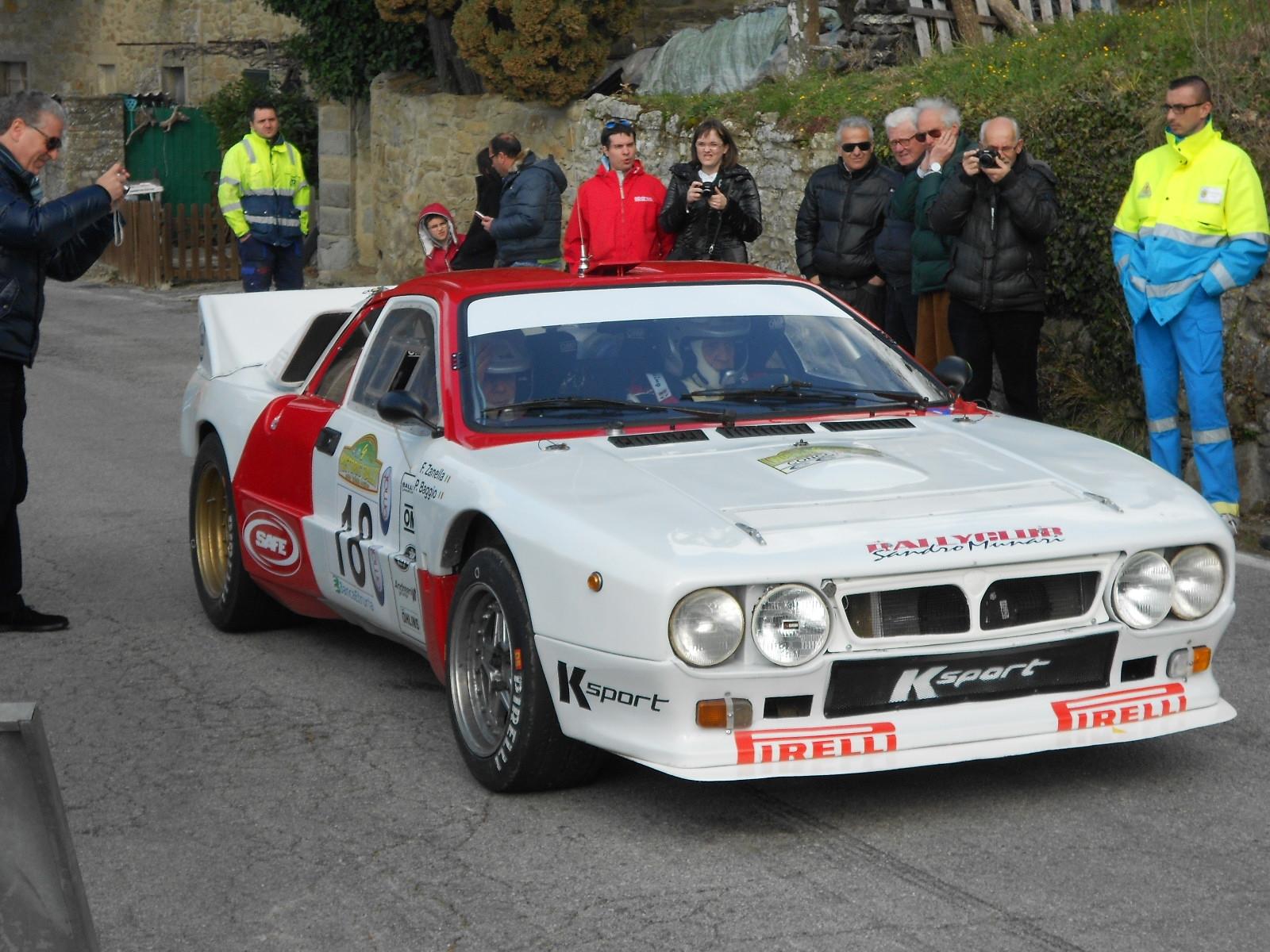 Le foto dell'Hystoric Rally della Valli Aretine: spettacolo a Cortona