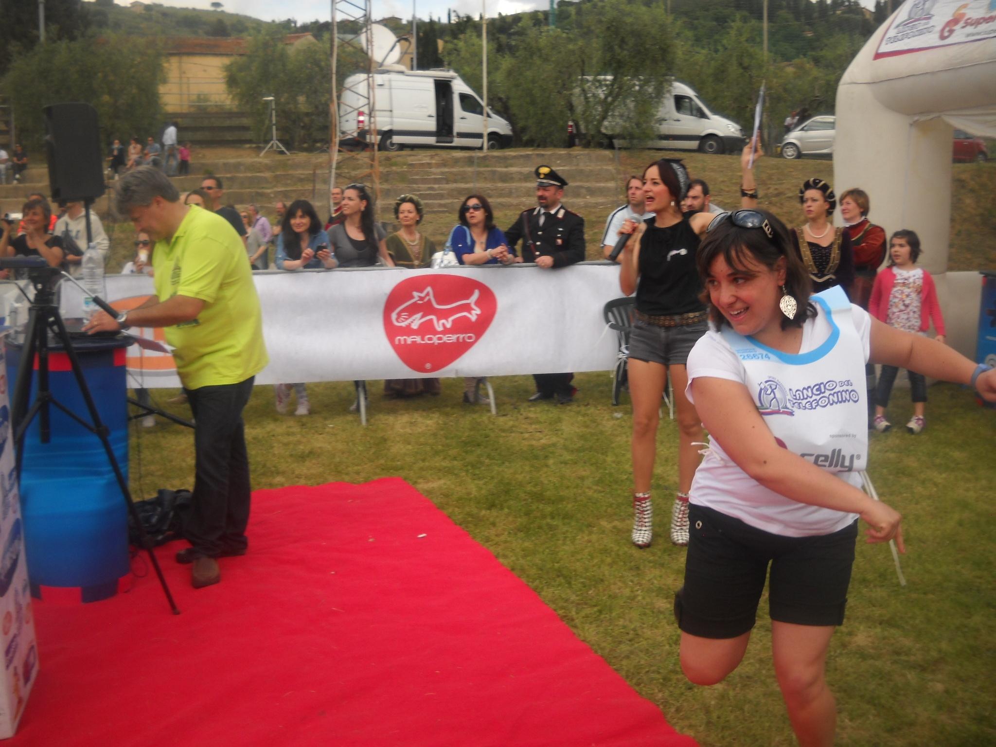 Castiglion Fiorentino, campionato di Lancio del Telefonino: vince un aretino