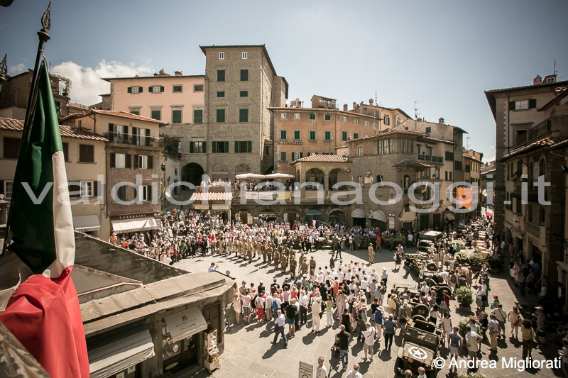 70 anni dalla Liberazione: le foto della rievocazione a Cortona