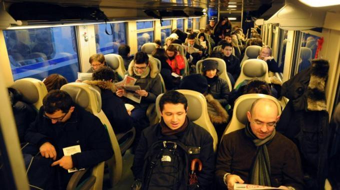 Sarà vera svolta nei trasporti ferroviari regionali? Incontro fra i pendolari e l'Assessore Ceccarelli
